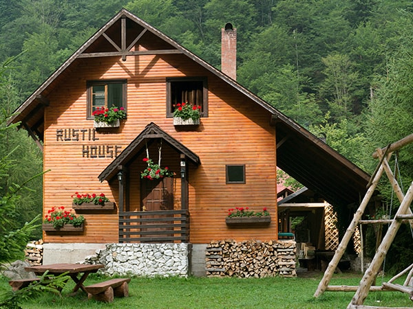 Rustic House chalet accommodation in Apuseni Mountains