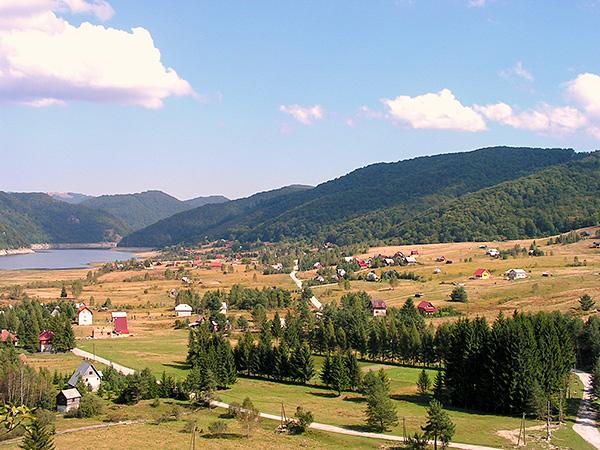 Satul de vacanță