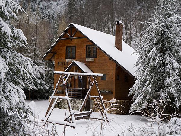 Pensiune Rustic House - Cabana 1 iarna langa Stana de Vale