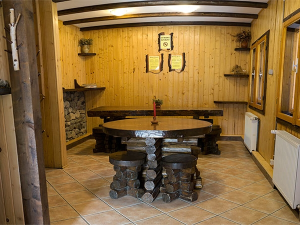 Pensiune Rustic House - Cabana 2 sufragerie